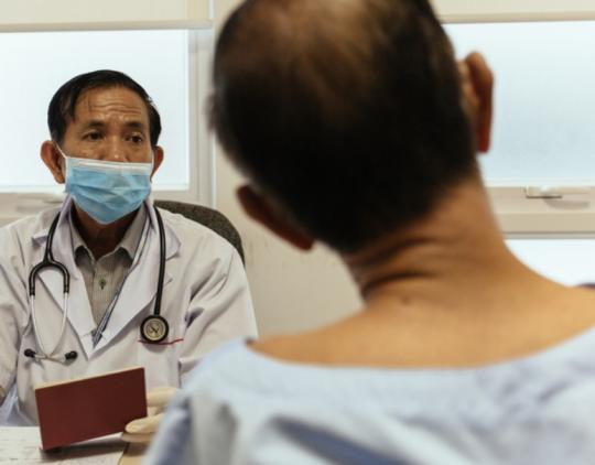 Socialinių ir sveikatos priežiūros paslaugų prieiga migrantams - 2014 m. (EN)